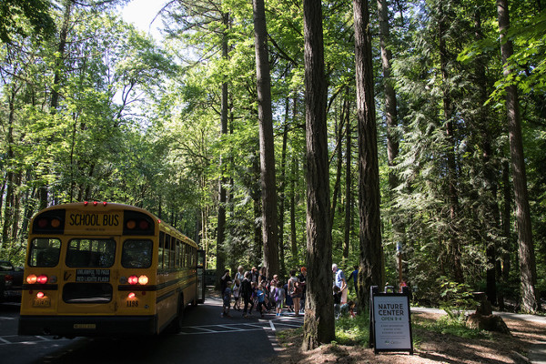 school-field-trip-bus-tryon-creek.jpg