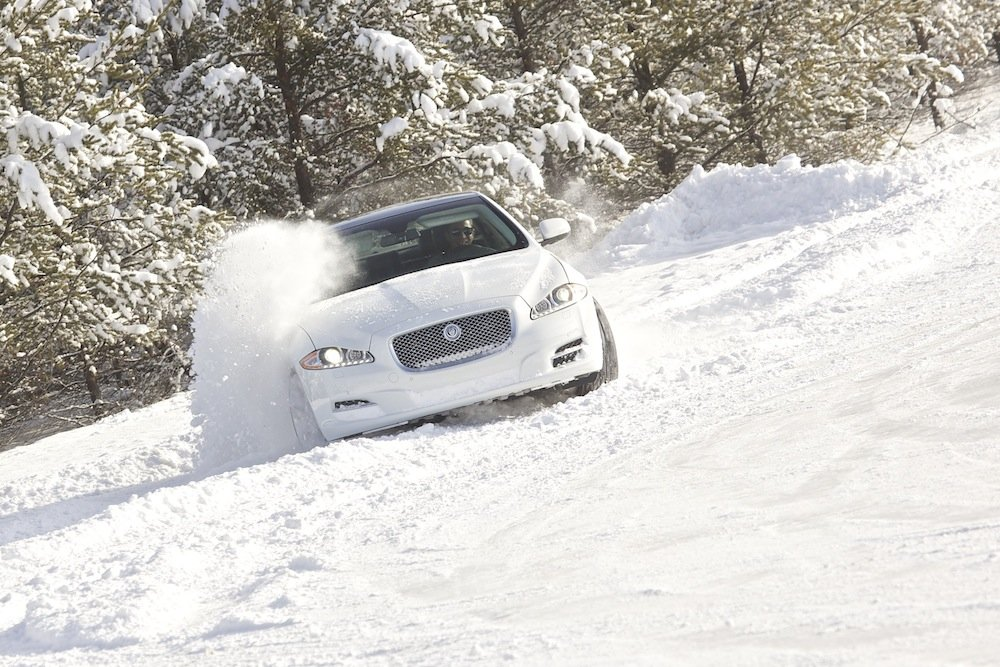 2013-jaguar-xj-awd-all-wheel-drive-montreal-mecaglisse.jpg