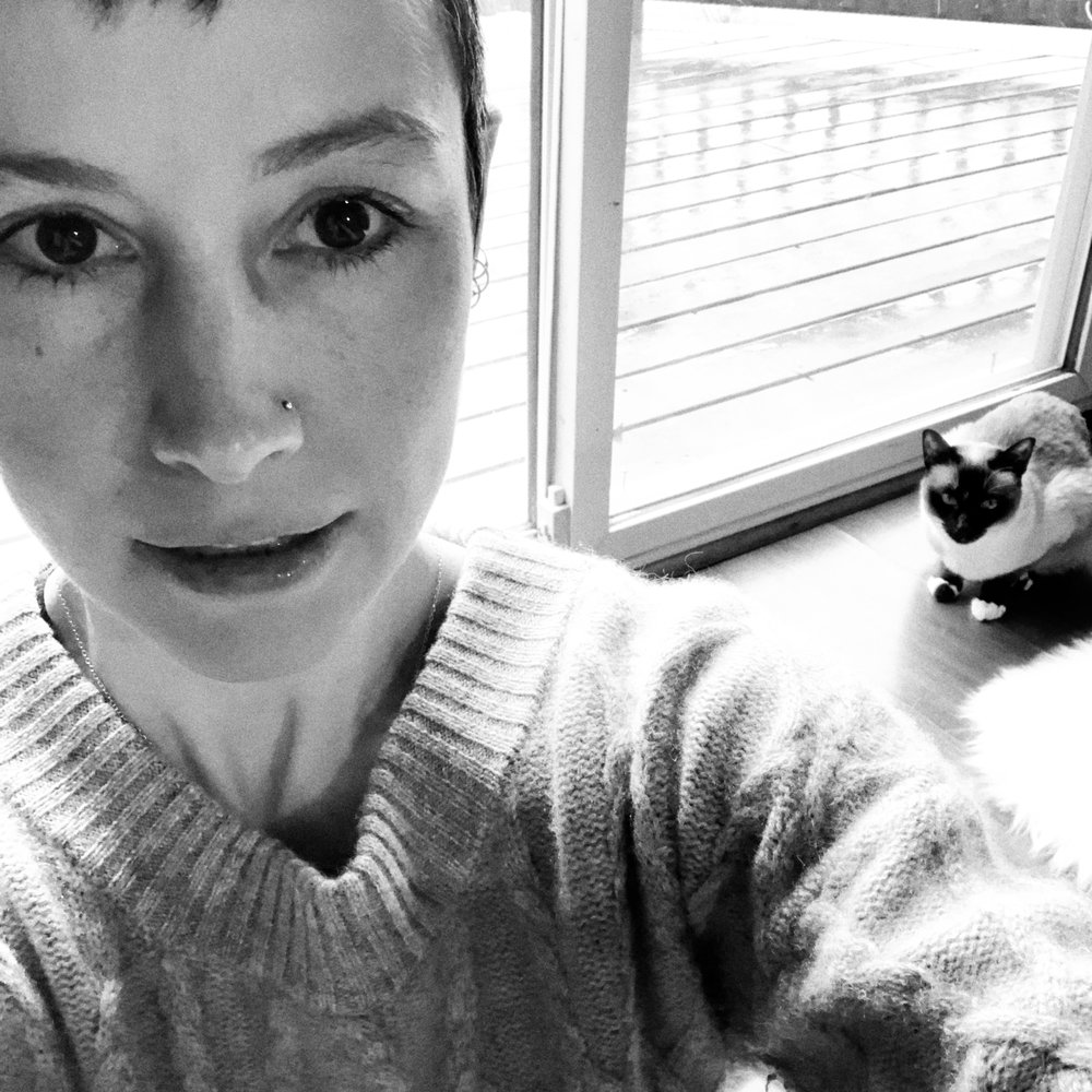 Winter selfie with a siamese cat ;)