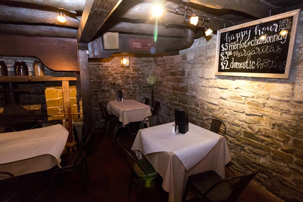MSH-HistoricBuxton-tavernhappyhour.jpg