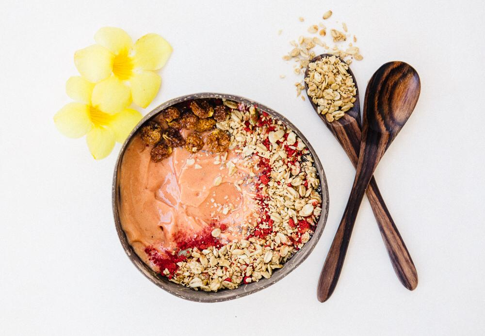 Papaya & oats smoothie bowl
