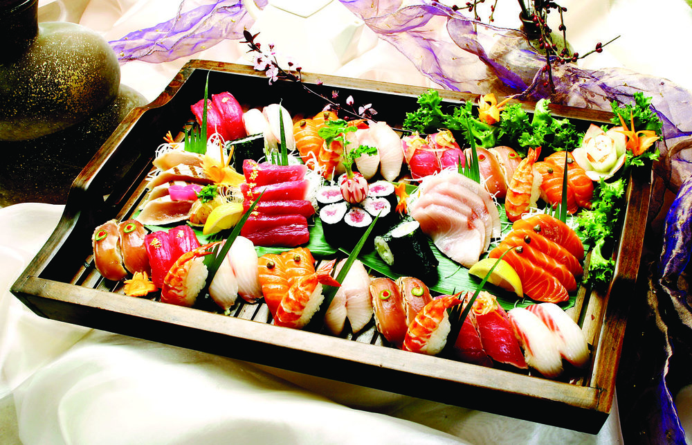Sashimi, Sushi, and Roll Combination