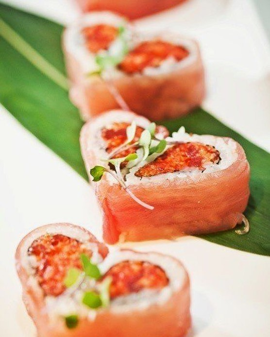 Sending everyone #love cause it's finally #Friyay ✌️why not a #sushidatenight to kick off the weekend? #justsaying 😍 #sushilovers