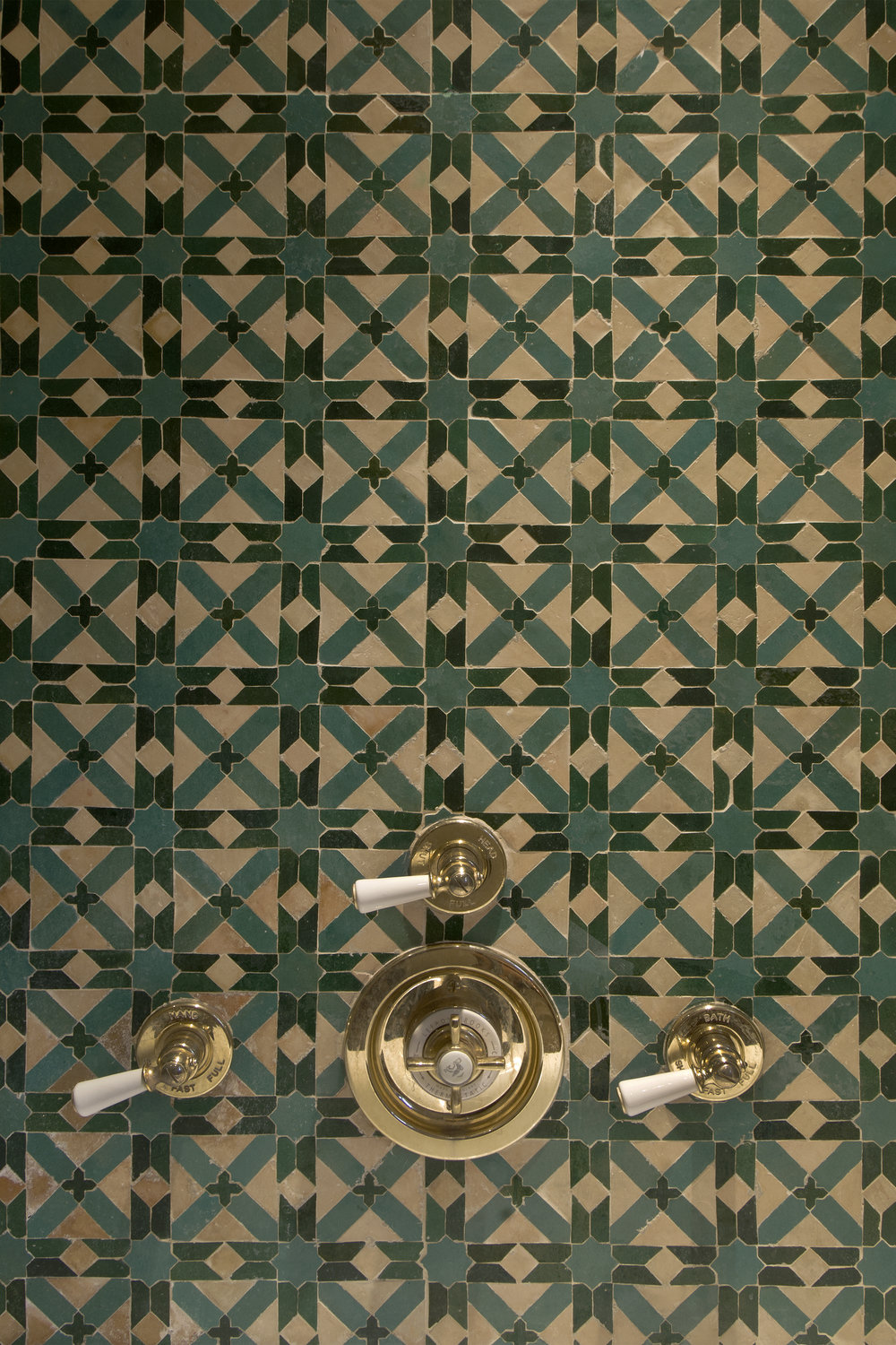 Deatail tile bathroom copy.jpg