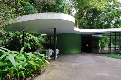 Casa-das-Canoas-by-Oscar-Neimeyer-Yellowtrace-01-480x319.jpg