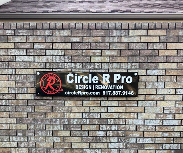 #mondaymood  We are SO excited about our new sign! We put it up just now and we are loving it! What do ya'll think?  #customculture #circlerproistheonlywaytogo #renovationreality #design #customcontractor