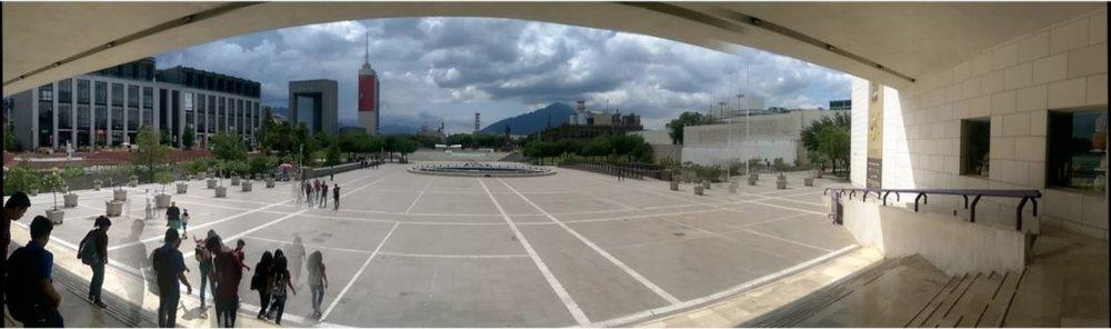 monterrey_plaza_panorama.JPG