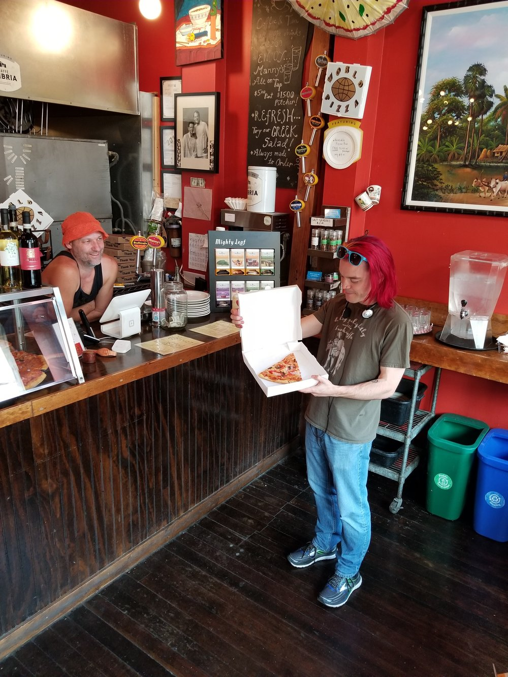 World Pizza of Seattle is happy to be able to serve their customers pizza in a reusable DaVinci pizza box...