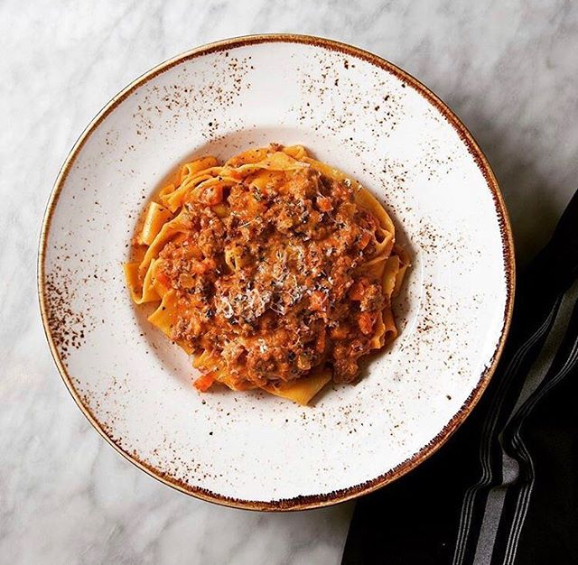 📷 @foodstoryphotography Bolognese over pappardelle pasta #ParkerAtTheFontaine