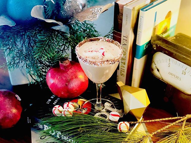 Crystal's Winter Wonderland ⠀⠀⠀⠀⠀⠀⠀⠀⠀⠀⠀⠀ Spice up your holiday party with something a little more unexpected! @ParkerAtTheFontaine is hosting a Holiday Cocktail Class Saturday, Dec. 15 on adding seasonal flavors and holiday flair to classic cocktails. RSVP on our 'Featured Events' page ❄️🎄#ParkerAtTheFontaine