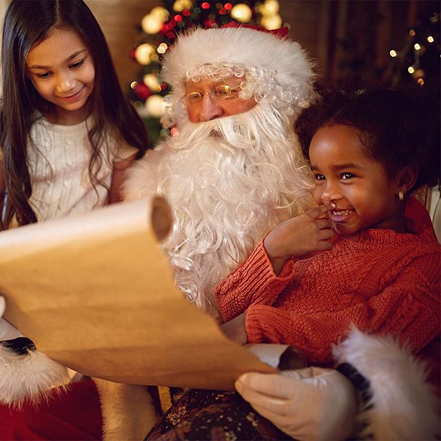Before making his way back up to the North Pole, Santa is stopping by Parker to hear what all the good boys and girls want for Christmas. Brunch with santa starts at 11 am tomorrow 🎄🎅 #ParkerAtTheFontaine