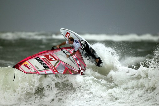 wind-surfing-67627__340.jpg