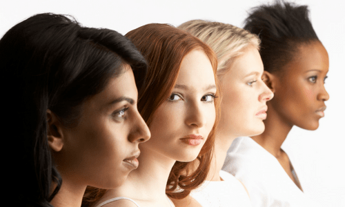 4 women as modern pioneers facing the future together