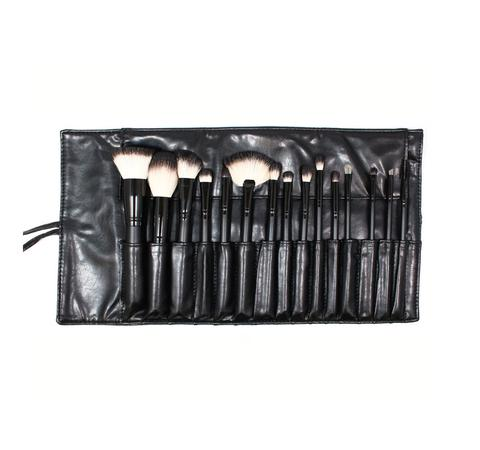 15 Piece Deluxe Badger Set