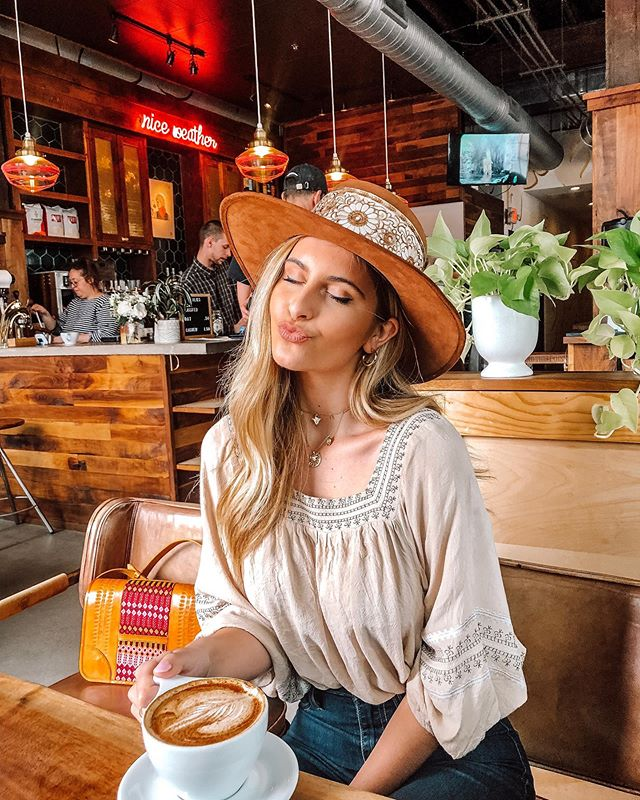 May your coffee be strong & your Monday be short 😉☕️ Just got another @hatsnroses hat and I am obsessed. I think this is my new favorite hat brand! They are great quality and hand made in Mexico! I also picked up this fun leather bag from them as well! Definitely check them out!😍 Edited this photo with one of my mobile presets! Swipe to see the before and after! You can shop my presets linked in my bio! Do t forget to use the hashtag #JosiePresets when using my edits so I can see your creations!