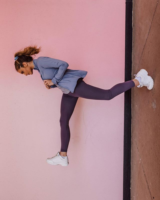 P E R S P E C T I V E 🏃🏼‍♀️ My attempt at the #BendItLikeTezza challenge 😎 I am wearing the comfiest workout set from @yogaliciousnyc 😍 I love these plum and lavender tones!