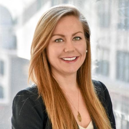 リンゼイ・デービス / Lindsay DAVIS  CBインサイツ レグテックアナリスト / CB Insights (RegTech Analyst)