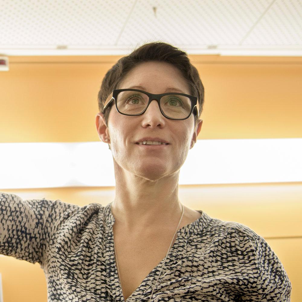 Marianne Walther  bringt als Mutter von drei Töchtern und Zwillingssöhnen nichts aus der Ruhe – sie ist rund um Kinder mit viel Herz und Fachwissen am richtigen Ort.