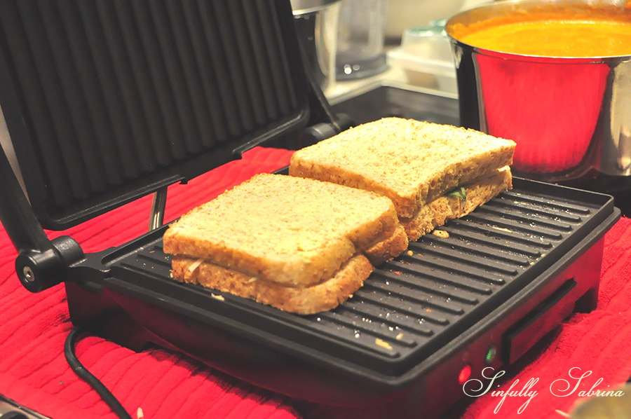 - If you've read my past posts, you will notice that this recipe is similar to my Grilled Cheese and Basil Sandwich with Tomato-Balsamic Jam. We used the Oster Double Contact Grill to get those lovely grill marks making it nice and toasty.
