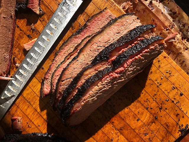 The weekend is coming. The weekend is coming. . . #DM #brisket #spareribs #beefribs #happybrisket