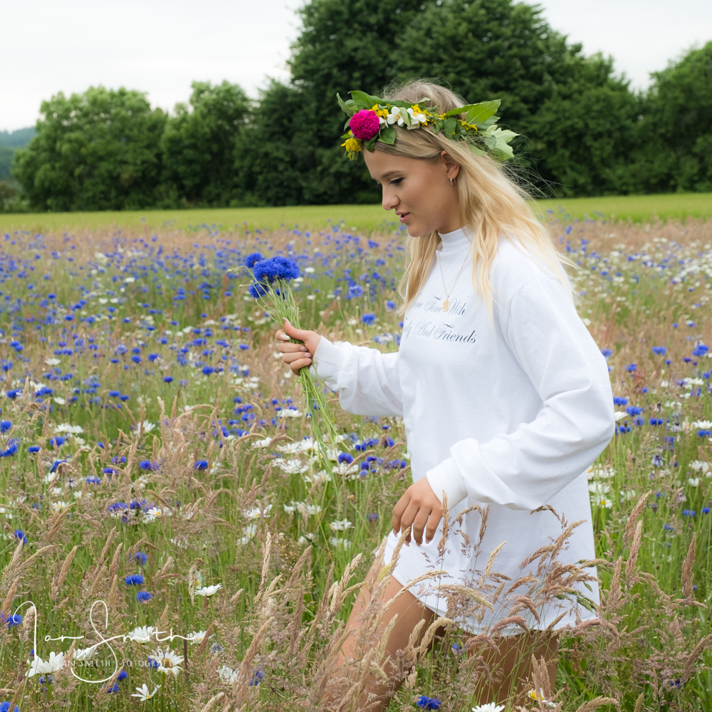 flower field girl 2.jpg