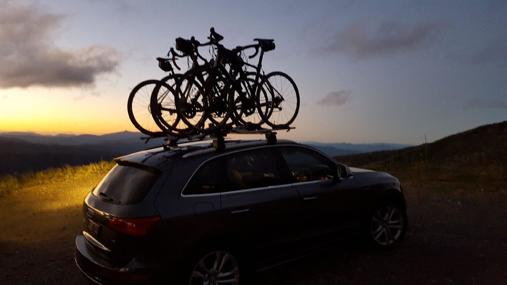 car with bikes on top.jpg