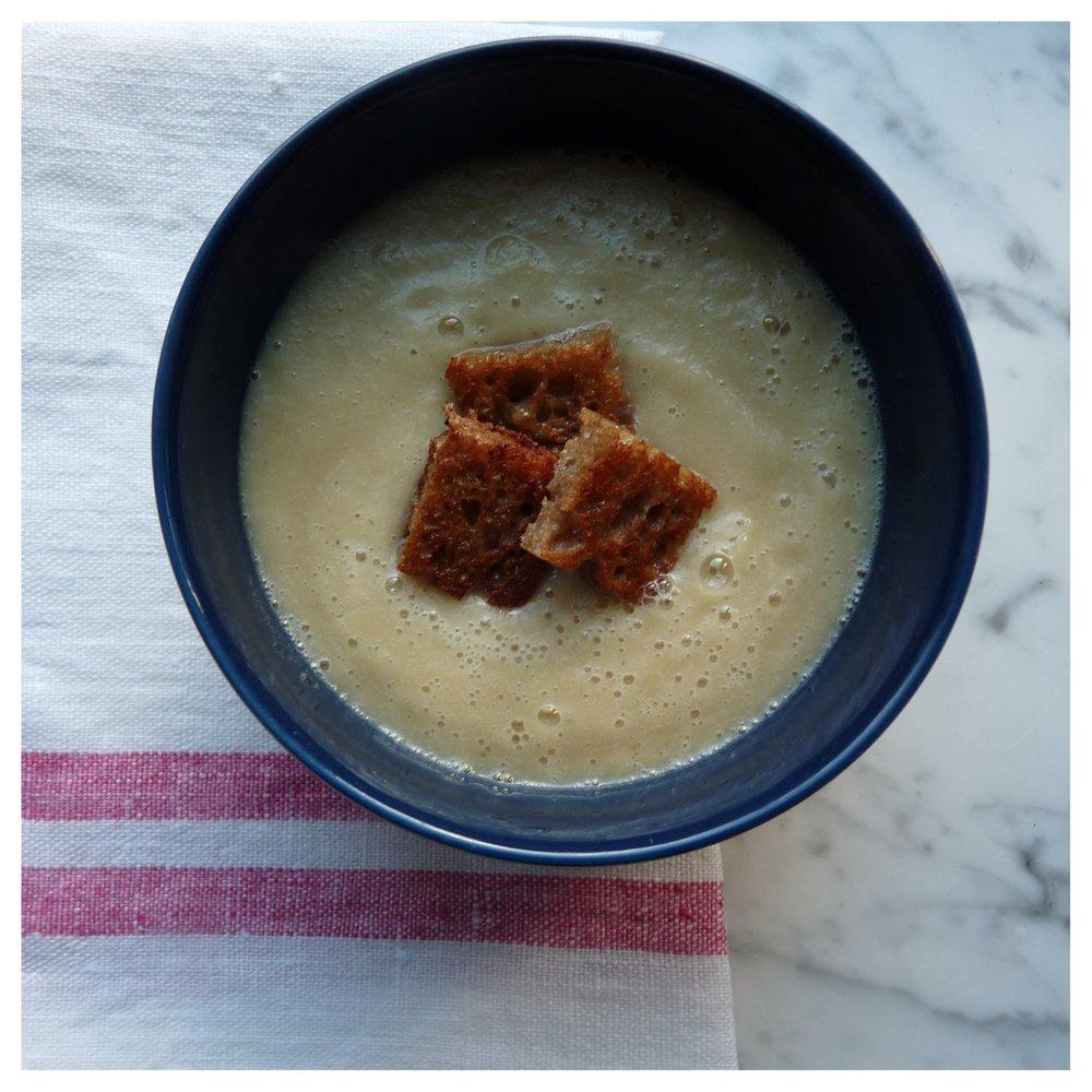 celeriac-and-fennel-soup-3.jpg