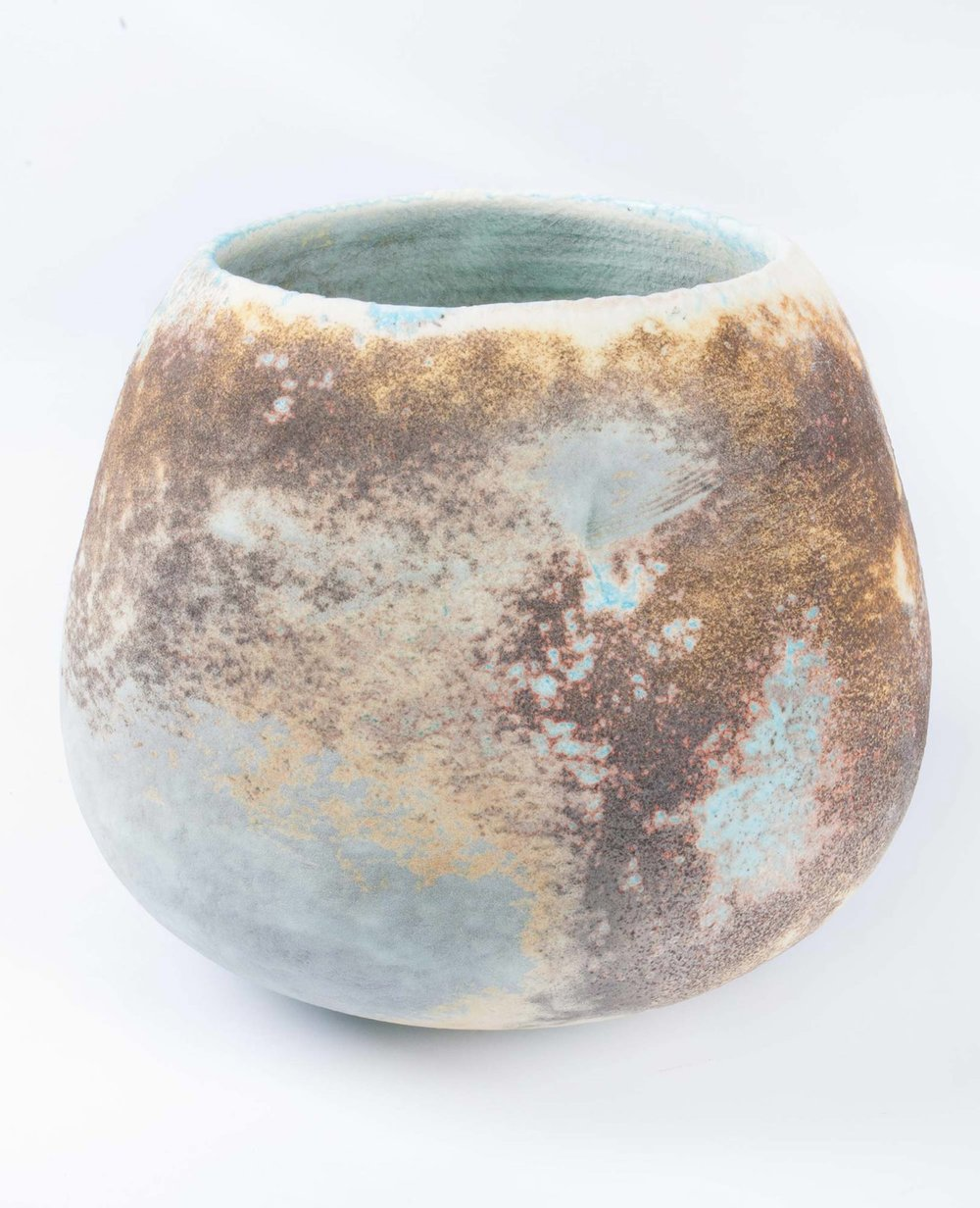 doherty-porcelain-Smokey-Round-Pod.jpg
