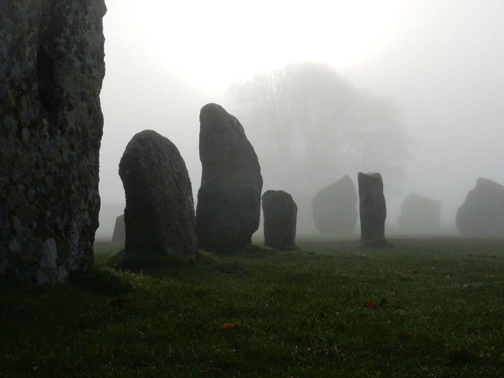 jack-doherty-dig-Avebury-stones.jpg