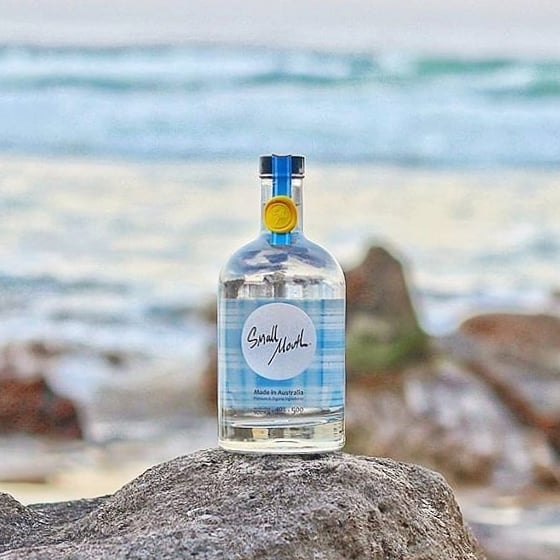 Made with 100% organic ingredients ✔️ Gluten free ✔️ 100% Aussie made and owned ✔️ Pairs well with Summer and Sunsets ✔️🌅 Thanks for the 📸 @tigesthewinemaker . . . . #organic #organicvodka #australianmade #vodka #veganfriendly #natural #glutenfree #preservativefree #beach #summer #sunset #tropical #picnic #drinkbetter #sydney #melbourne #australiaday