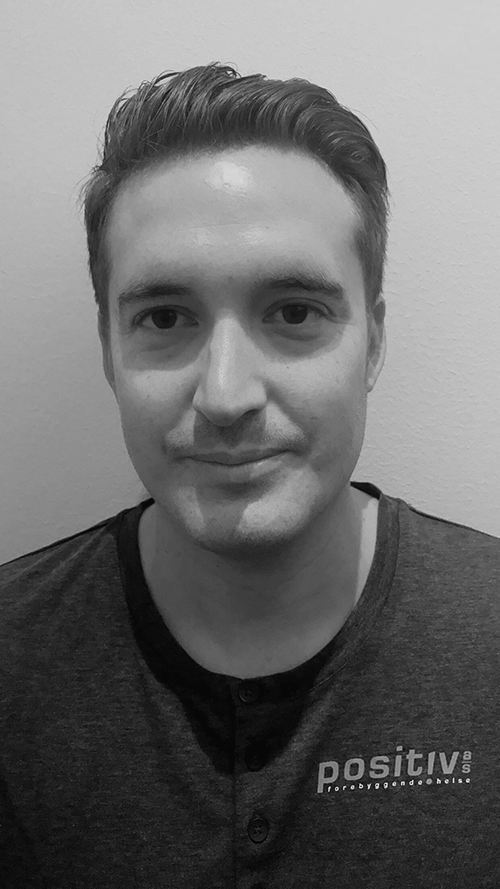 Daniel Myhre Cuello - Utdannet fra Axelsons Body Work School i 2003, har jobbet som bedriftsmassør for Positiv Forebyggende Helse AS siden 2005.