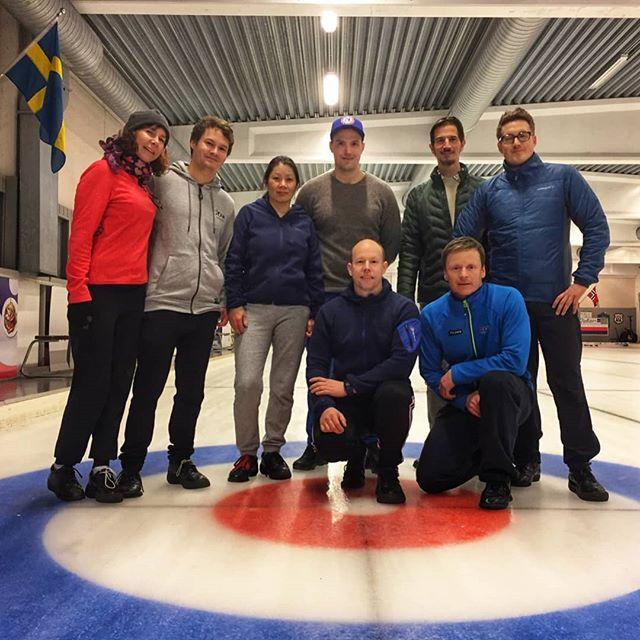 Teambuilding i Snarøya-curlinghall med Magnus Nedregotten, bronsemedaljevinner i Pyongchang.