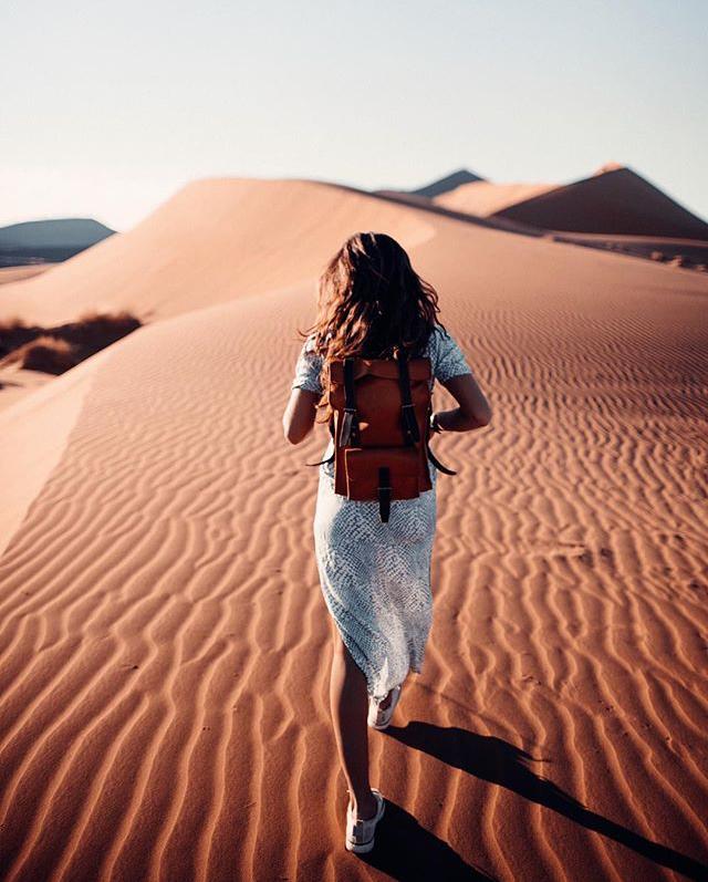 ChelseaKauai in desert with BennyBee instagram post