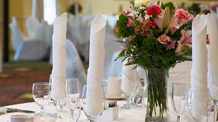 GI_weddingtable_19_698x390_FitToBoxSmallDimension_Center.jpg