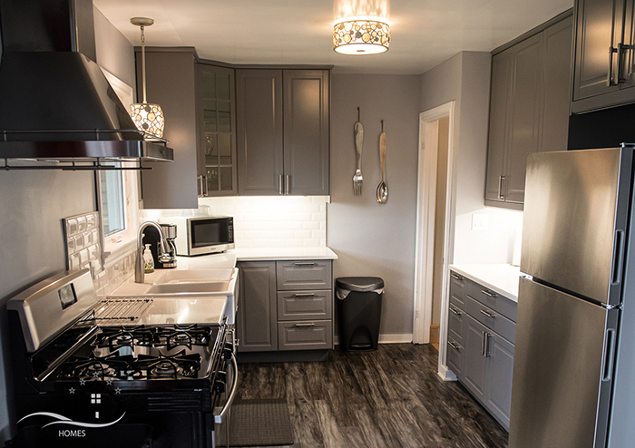 Short_Term_Rentals_Niagara_Falls_Ontario_Kitchen.jpg