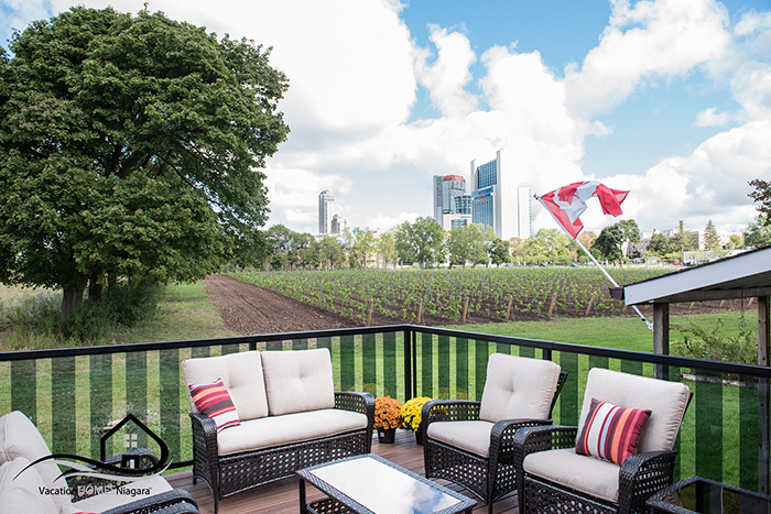 Vacation_Homes_Niagara_Deck_Overlooking_Vineyard_Niagara_Skyline.jpg
