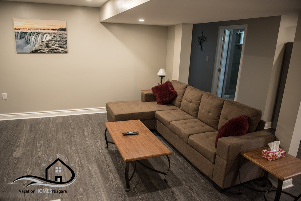 Tripadvisor_Niagara_Falls_Lower_Livingroom.jpg
