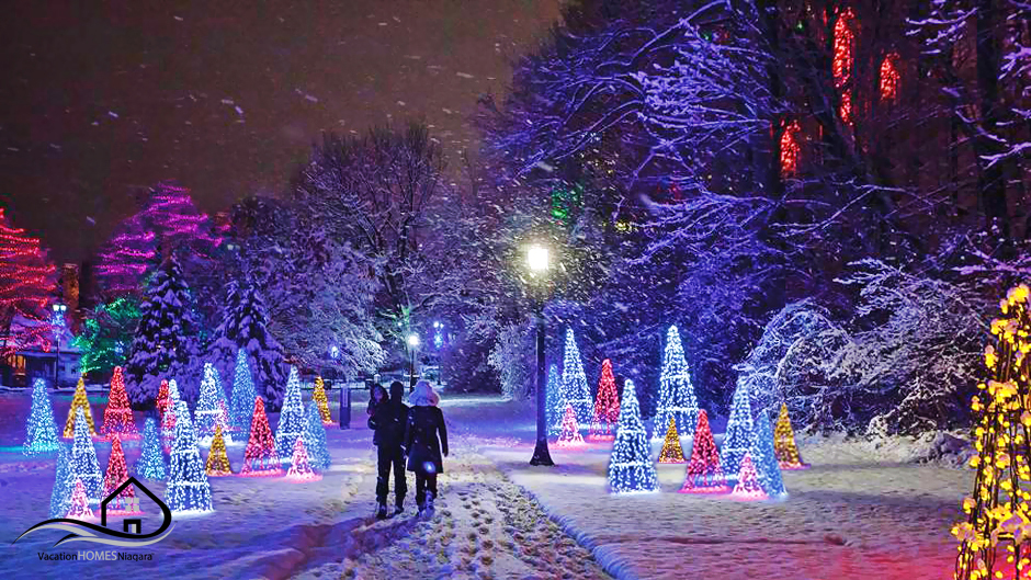 Winter_Festival_Of_Lights_Niagara_Falls_Ontario.jpg