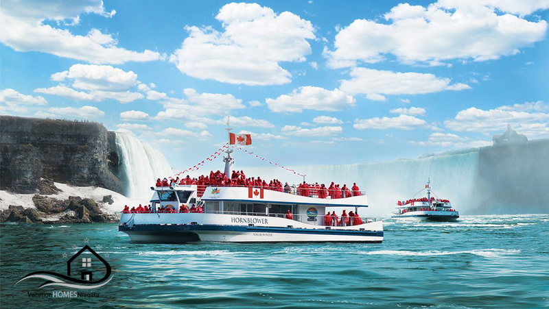 Hornblower_Maid_Of_The_Mist_Niagara_Falls_Ontario.jpg