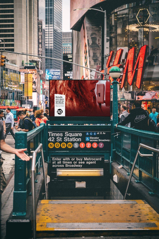 RS_OOH_decibels_subwayentrance4.jpg