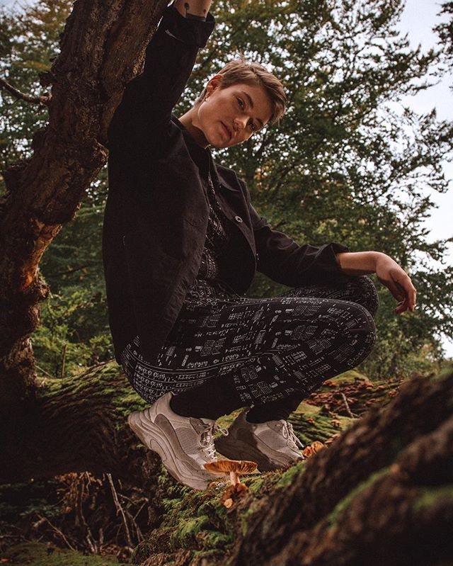 The last and final #AW18 shoot for @dedicatedbrand. We packed a van, drove around North of Zealand, stopping in different forest patches shooting the beautiful models @stinesonnic @gavincphmusic and #AndreasBentsen with help from @muyingosiraj and MUA/Styling from @amandakrantz  #forest #fairfashion #sustainablefashion  #visitnordsjælland  #autumn #roadtrip
