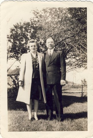Caroline and Ken Petteys ca. 1944