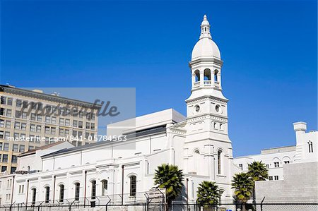 841-05784563em-st-vibianas-cathedral-in-little-tokyo-los-angeles.jpg