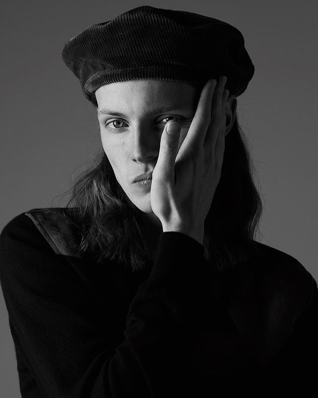 Clothing is lavished by masculine attention in our new editorial featuring our favourite accessories for the season. Model @fergusbailey wears @prada beret, cardigan by @hermes  Photography @caraodowd  Fashion Editor @freddiefredericks  Grooming @badisonv