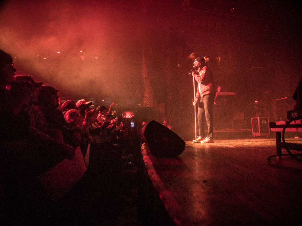 SABA introduces himself to the crowd. Photo by: Tom Vin
