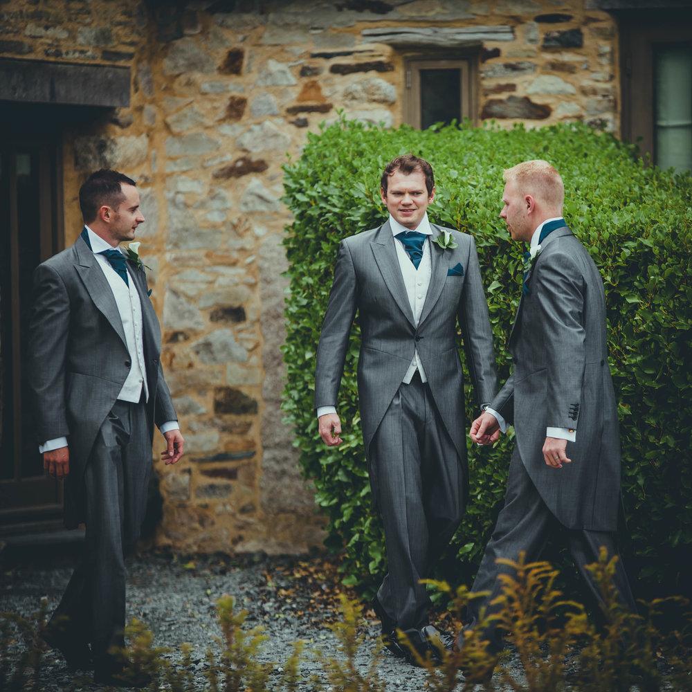 HOW ARD WEDDING PHOTOGRAPHY WEST MIDLANDS GR0OM PREP-1-11.JPG