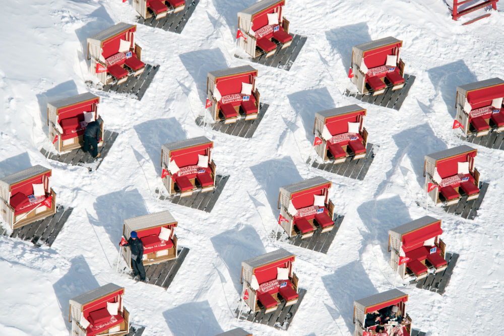 el-paradiso-sun-loungers-st-moritz.jpg