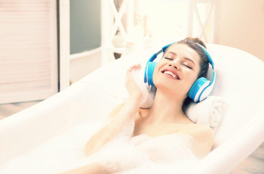 Perfectly Posh bath with bath time Spotify playlist