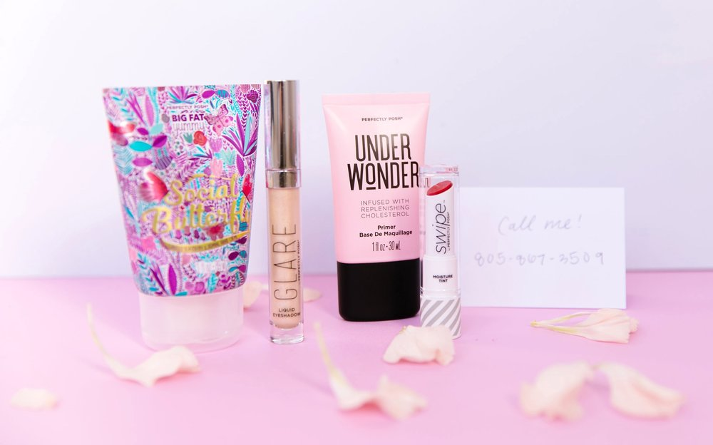 Valentine's Lookin' for Love Bundle, Be So Gold Glare Liquid Shimmer Eyeshadow, Under Wonder Replenishing Cholesterol Primer, Red Carpet Swipe Moisture Tint, Social Butterfly Big Fat Yummy Hand Creme, Perfectly Posh Big Fat Yummy Hand Creme