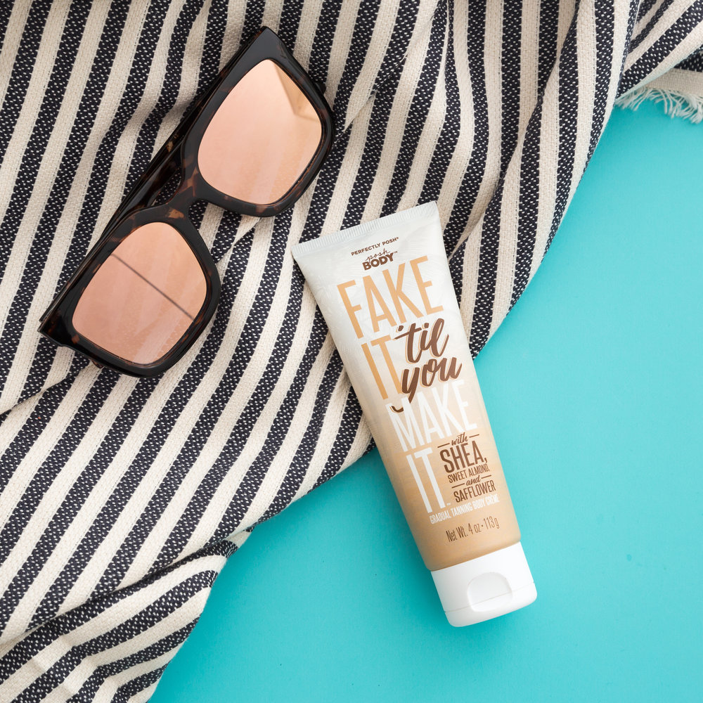 Perfectly Posh Fake It 'Til You Make Gradual Tanning Body Creme with shea butter, sweet almond oil, and sunflower oil, naturally based self tanning creme, buildable and moisturizing fake tanner